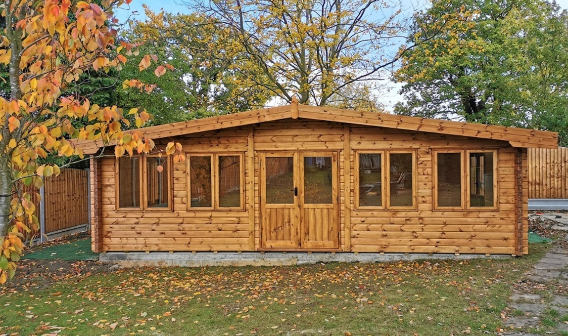 Bespoke 68 mm log cabins